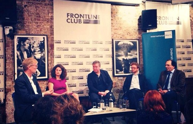 Dan Smith, Victoria Stamadianou, Martin Chulov, Julien Barnes-Dacey and Nadim Shehadi discuss Syria and the surrounding region at the Frontline Club. Photo: @mattmencarelli