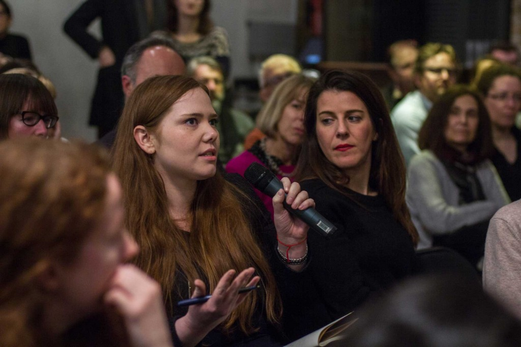An audience member speaks at the Frontline Club.