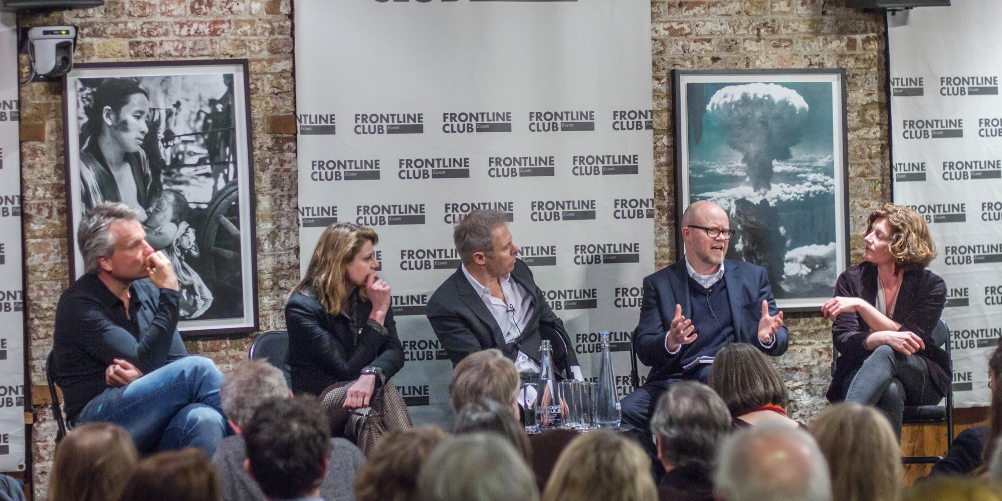 Toby Young argues for Brexit at the Frontline Club where his views are welcome to be heard. Joris Luyendijk, Annalisa Prias, Gavin Hewitt, Toby Young and Natelie Nougayrède. © Tolly Robinson 2016
